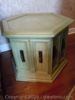 Vintage 6-Sided Side Table with Glass/Cork Top and 2 Table Clothes  Matches Lot 9012