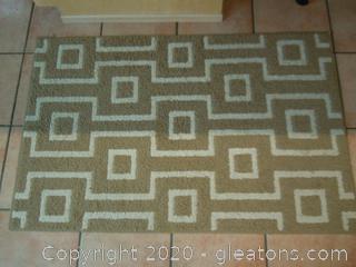 Square Line Work Patterned Rug