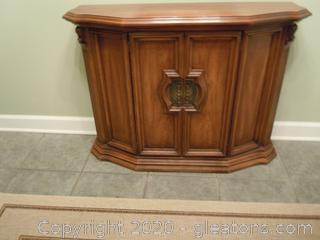 Vintage Accent/Foyer Cabinet