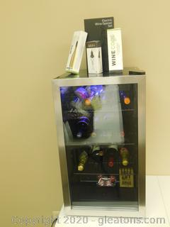KEEP CALM AND CHILL WITH THIS WINE COOLER!