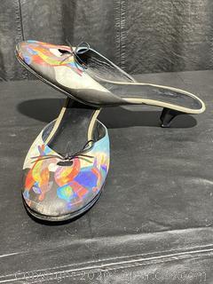 Jeon Art Graphic Slip-On Heels W/Bowtie