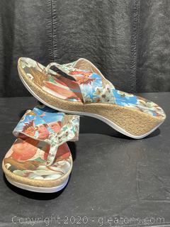 Cork Heeled Thong Slip-On Sandals