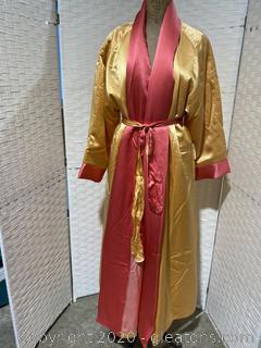 Saks Fifth Avenue Robe W/Tags B