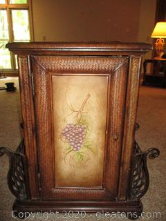 Beautiful Detailed Accent Table