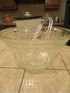 Vintage Indiana Glass Punchbowl with 16 Cup