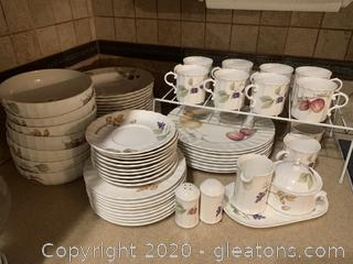 Set of Mikasa Fine China: Cajos Belle Terre