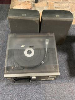 Sanyo GXT 110 Turntable and JBL Speakers