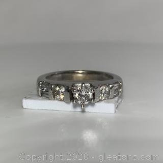 14K WG Diamond Ring W Bouquets and Round Diamonds