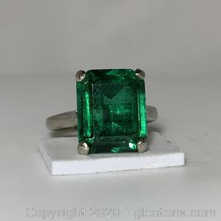 10k White Gold Imitation Emerald Ring