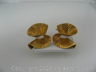 14kt Yellow Gold Wave Earrings