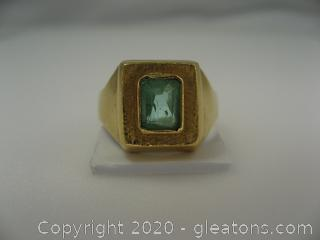 18 kt Yellow Gold Emerald Ring