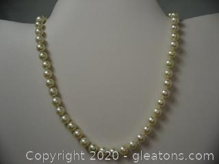 Strand Of Pearls 14 kt Yellow Gold