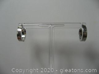 14 kt White Gold Hoop Earrings