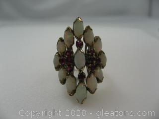 18k Ring with Opals & Rubies