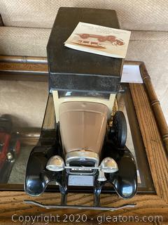 Jim Beam Woody Wagon Ford Decanter