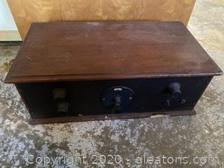Vintage Radiola