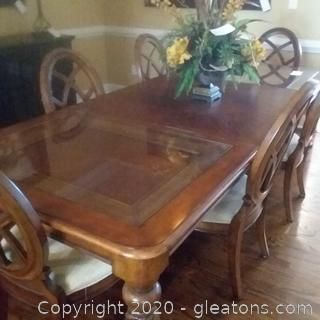 Stanley Furniture Cinnamon Bay Dining Table