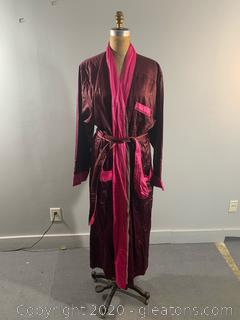 Neiman Marcus Shades of Pink - New with Tags (XL)