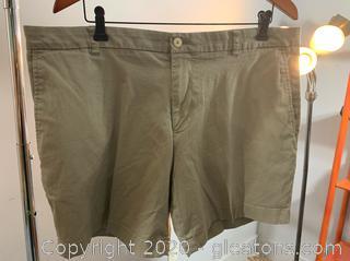 Men's Southern Tide Khaki Shorts (38)