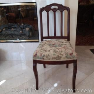 Mahogany Straight Back Parlor/Side Chair