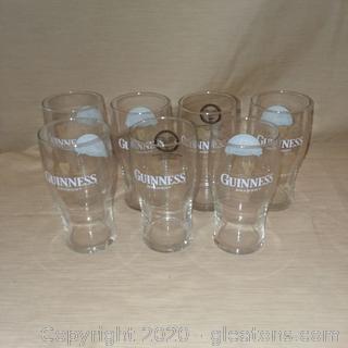 Set of Guiness Draught   18 oz. Glasses