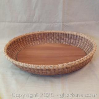 Nice Woven Straw Serving Basket W/Sturdy Wooden Bottom