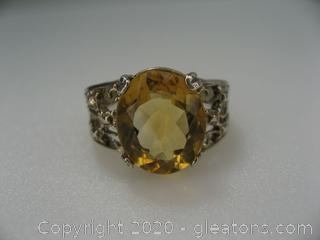 10Kt White Gold Citrine Ring