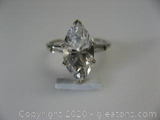 14kt White Gold White Topaz Ring
