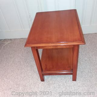 2 Tier Wood Look Accent/End Table