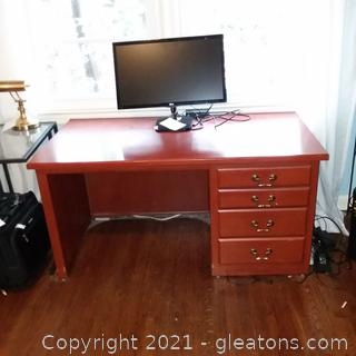 4 Drawer Desk – Does not Include Anything on Desk