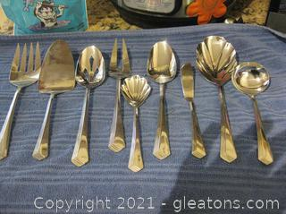 9-Piece Set of Serveware to Complete Set of Flatware