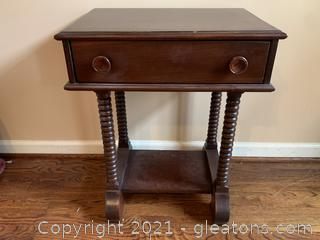 Bobbin-Legged Side Table