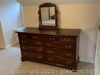Standard 9-Drawer Dresser W/Detachable Vanity Mirror