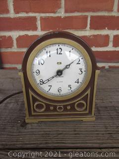 Old Vintage New Haven Mantel Clock
