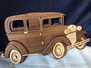 HAND CRAFTED VINTAGE CAR WALL PLAQUE, GREAT DETAIL