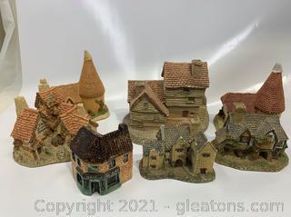 Lot of 7 Castle Figurine