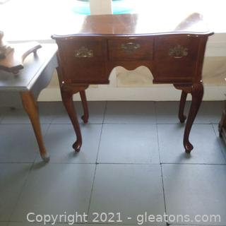 Queen Anne Style Foyer/Accent Table- Cherry (located in Event Center)