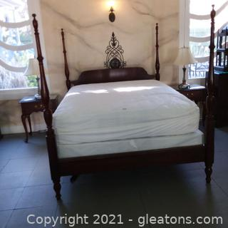 Crescent Furniture Queen Size Mid Century Solid Cherry 4 Poster Platform Bed (located in event center)