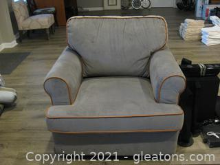 Pier 1 Poly/Cotton Rolled Arm Chair-Like New