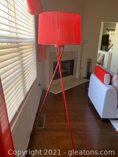 Tripod Lamp W/Shade