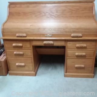 Gorgeous Fruit wood Winner's Only Roll Top Desk