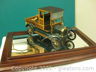 Precision Die Cast 1:16 Scale Model of a 1913 Ford Model T Pickup