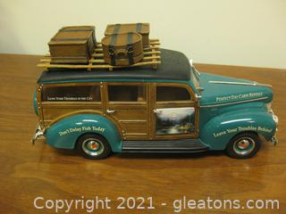 """1940 Woody Die Cast 1:24 Scale- """"Perfect Day Cabin Rentals"""""""