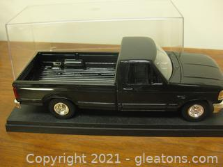 Nice Black Plastic Model 1:24 Scale of a Ford F-150 Pick Up
