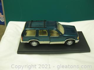 Die Cast Metal-1:18 Scale-Ford Explorer