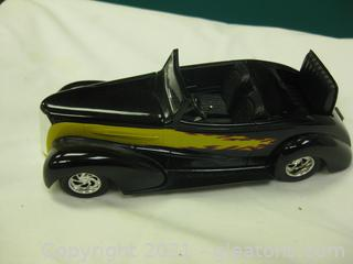 Limited Edition Die-Cast- 1:24-Scale Custom Chevrolet with Rumble Seat