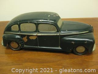 Antique Metal/Iron Child's Toy Car.