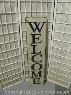 """Vertical """"Welcome"""" Sign"""