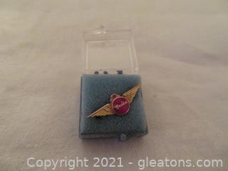 New In Box Delta Air Lines Ten Year Service Pin (Pre 1978) (C)