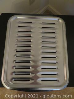 Like New Porcelain Broiler Pan And Grill